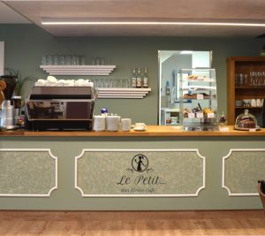 Le-Petit-Knell-Cafe-Front